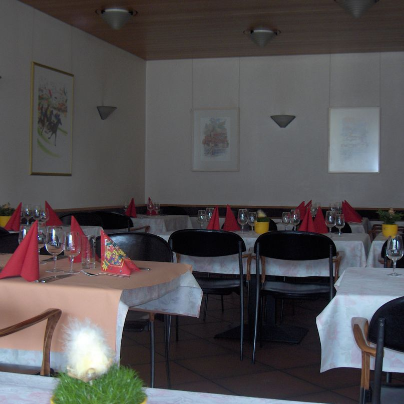 Hôtel Restaurant de la Cigogne - tables